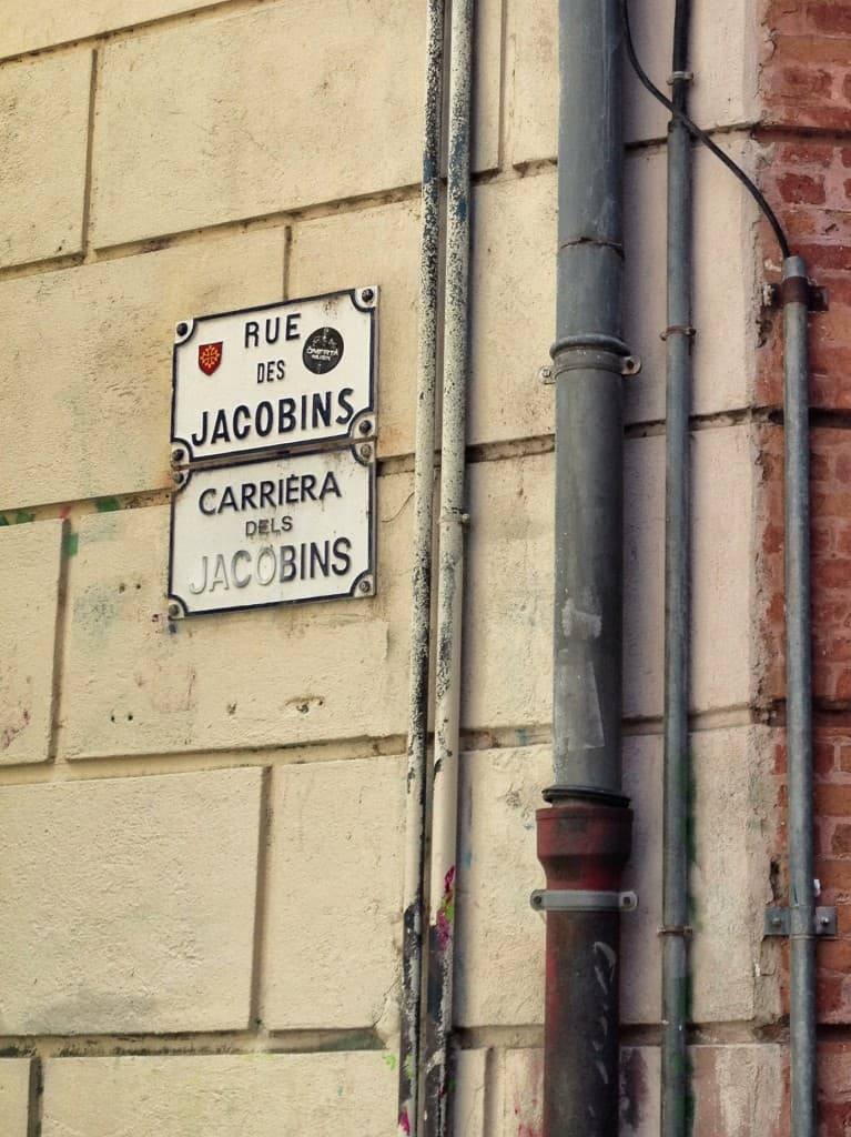 Street signs in French and Occitan