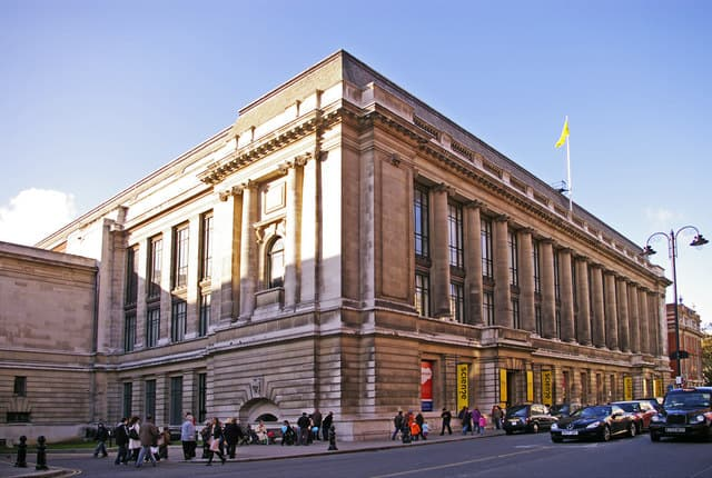 Science_Museum,_Exhibition_Road,_London_SW7_-_geograph.org.uk_-_1125595