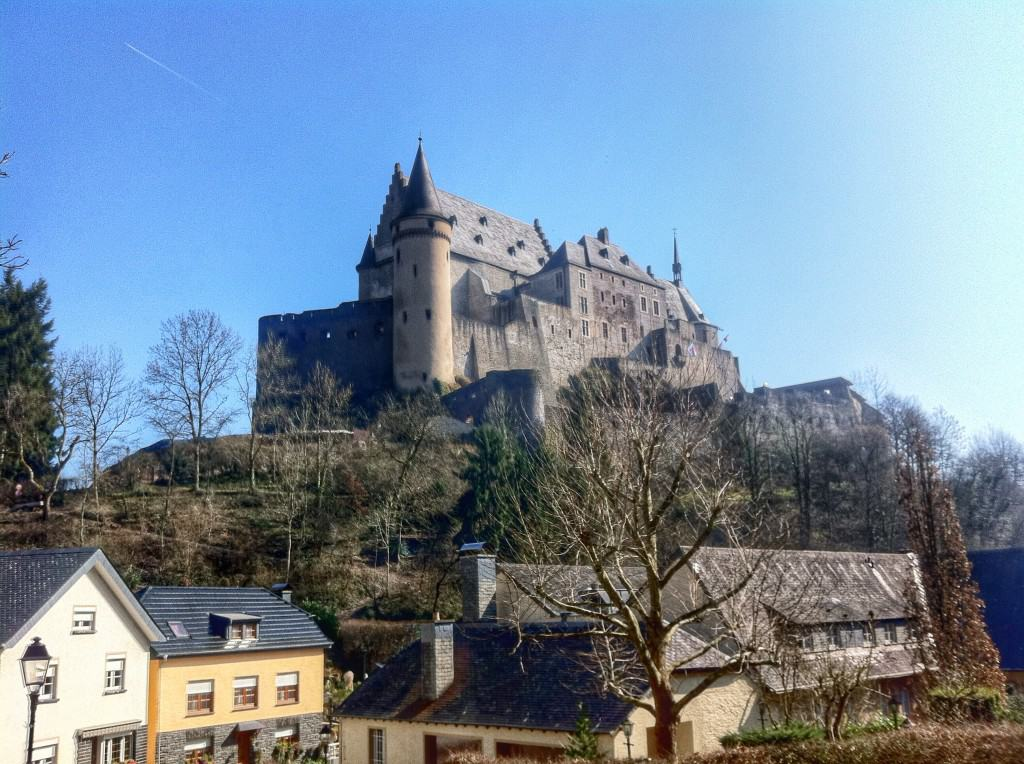 What to do in Luxembourg? Visit the Vianden Castle