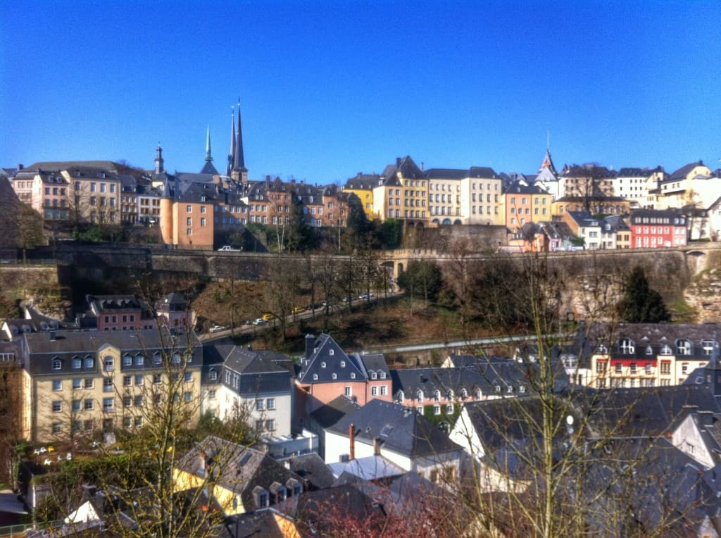 how to get from luxembourg city to paris